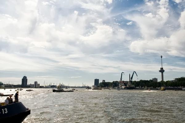Water en wolken. #Rotterdam #wereldhavendagen