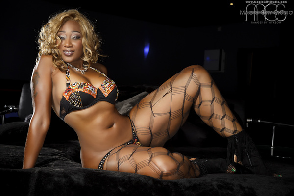 Its big sexy herself @mscleoxxxstar i still love her! Shoot from @TipDrillMag