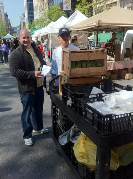 Union Sq Farmers Mkt: ABC Kitchen Chef Dan &amp; a sous buying spring produce 4 dinner ... Where I&#039;ll b eating 2nite! 