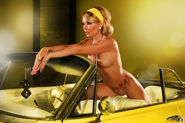 spongebob see girls stripping naked