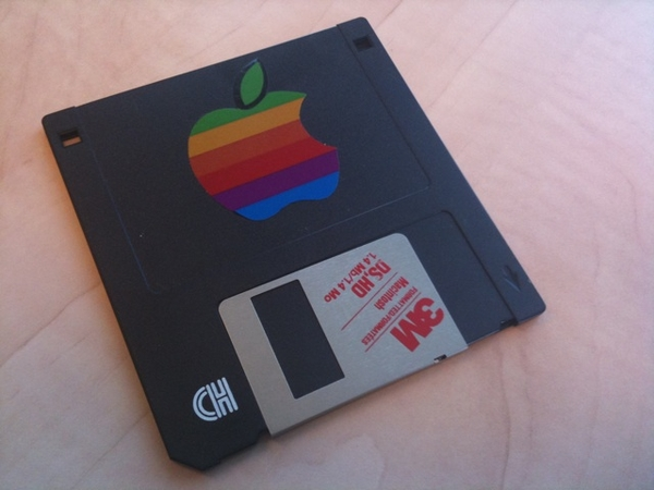 Early Mac 3,5 Floppy. Would it still work on that first Mac? @humantorch