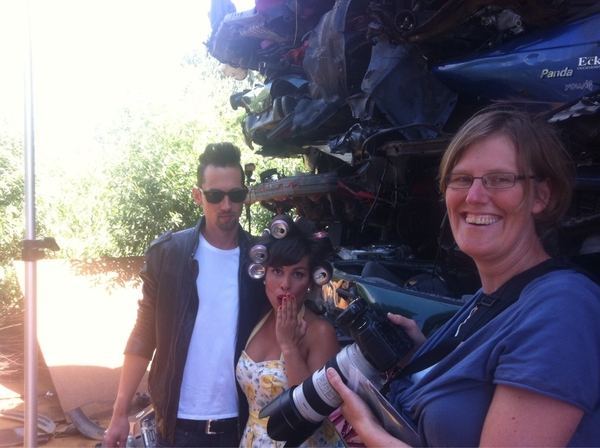 Hairspray / Grease / Vintage Preweddingshoot met Ramona & Ernest at the cargraveyard