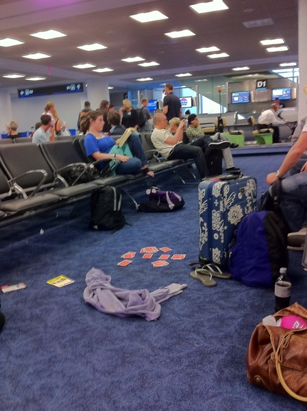 high school kids in the airport #obnoxious