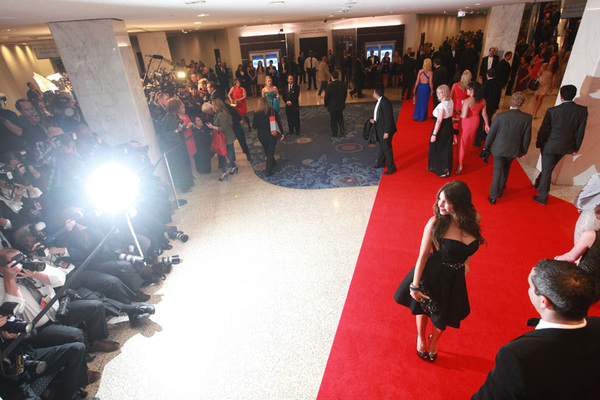 Sofia Vergara #WHCD red carpet @politico @HiltonWash