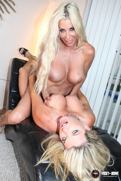 Sunday B( . )( . )BS! @VickyVettte @PumaSwede #PicoftheDay ~ retweet if you like it!