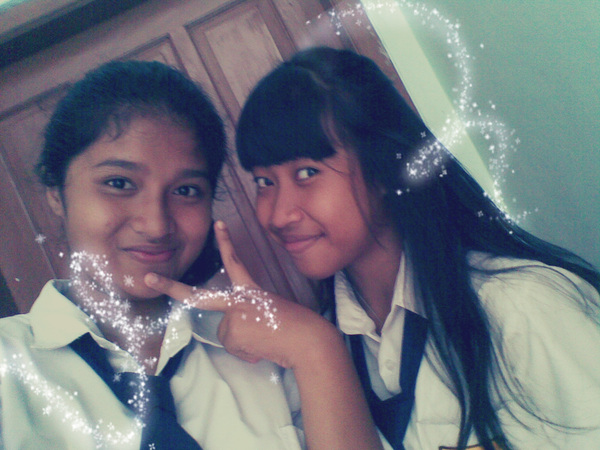 with @yohanahestiA :** (at the school bathroom)