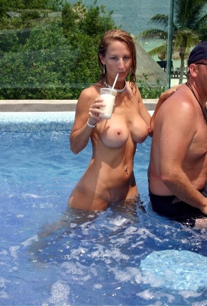 Come to a pool party @RearBurger house... #howToSpotaHoe   #boobs