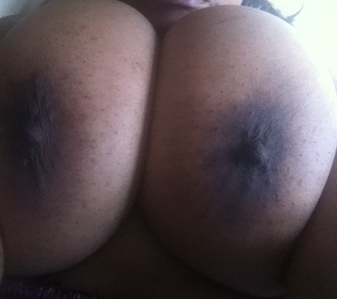 @boobstoday @misstakeitall @corrie_dev @yummyblktits @miss_raven_kiss
