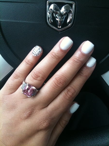Got nails done yesterday and bedazzled my pinky ;-)