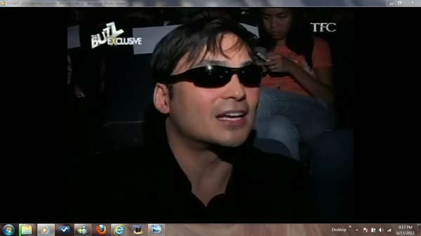pssst @catcochesa bat nasa likod ka dyan ni Papa @gabsconcepcion ? Masyado ka dyang busy sa ka textmate mo a. hahah