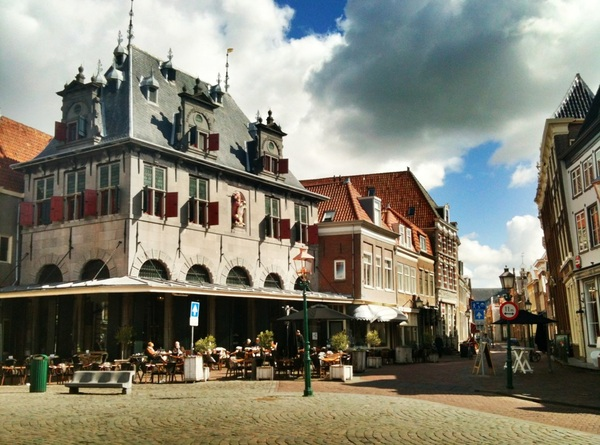 The central square of Marken is super pretty.
