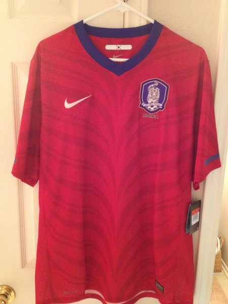 @SwapOfTheTable Nike South Korea large BNWT #swapofthetable