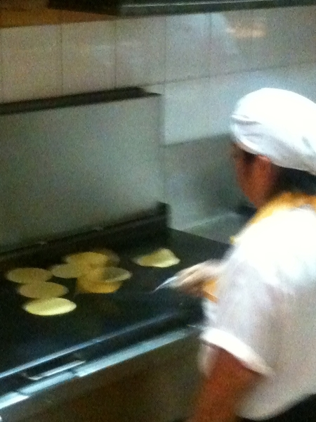 El Farolito: Making fresh masa tortillas for tacos