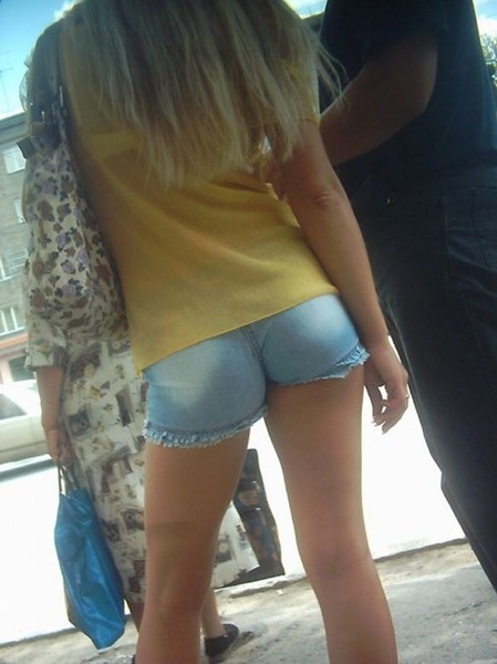 I'd wait in this line all day...  #sexysaturday  #creepnation  @CreepShot
