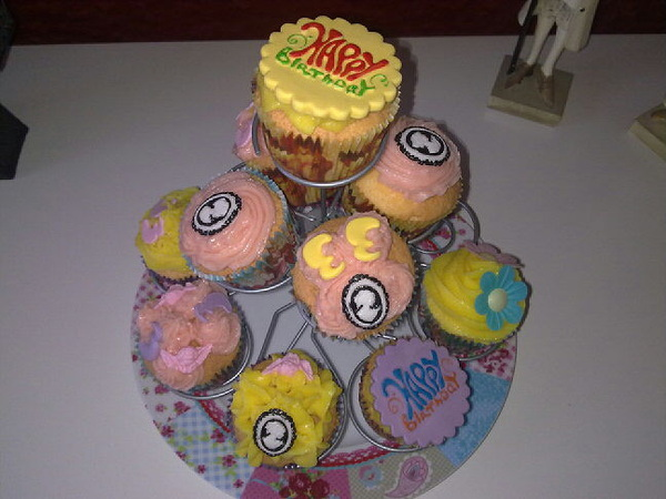 #cupcakes by @SpankyPoofPoof