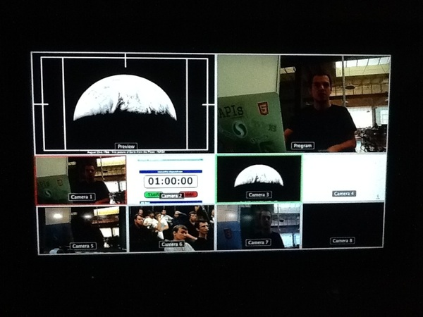 Telepresence is on! Xavier Damman from Storify is sharing his vision on the evolution of communication #storify 