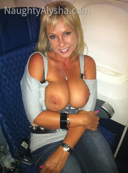 @NaughtyAlysha #TittyTuesday @Femaleflash flash at 35,000 feet #amazingpictures #TweetYourTeats #RT #RT