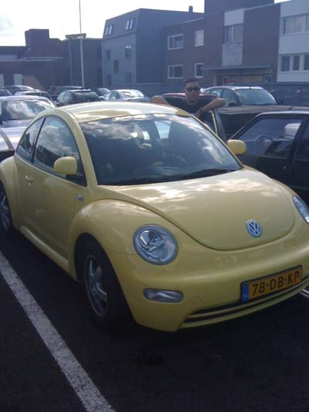 Yesterday: borrowing Xanders mother's  New Beetle-love that car!